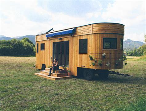 autark wohnen wohnwagon innovativ und im einklang mit der natur und