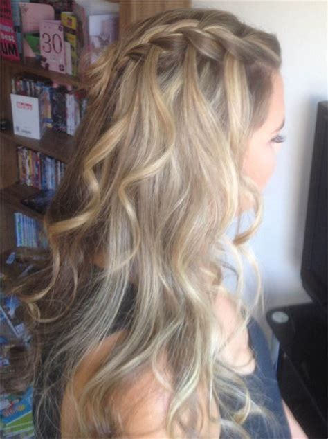 hoco hairstyles down best 25 homecoming hair down ideas on pinterest