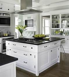 Black And White Kitchens Designs by Classic Black And White Kitchen Home Design And Decorating