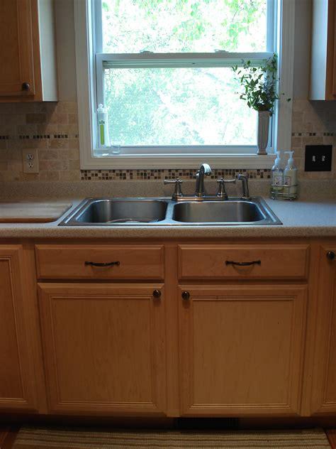 kitchen window backsplash tile kitchen back splash diy craft ideas