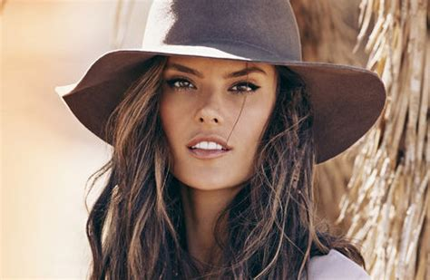 Supermodel Chic by Dress Like A Supermodel Alessandra Ambrosio Shows New