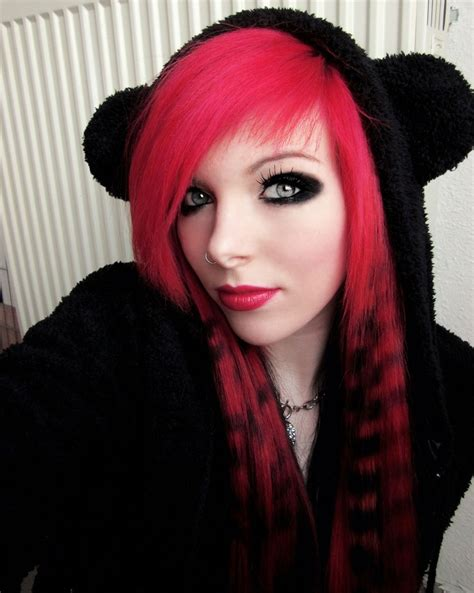 scene queen and alternative modeling trends growing emo hairstyles for girls get an edgy hairstyle to stand