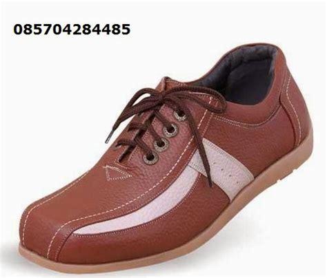 Pantofel Coklat 01 jual sepatu pantofel hitam pria sepatu pantofel pria