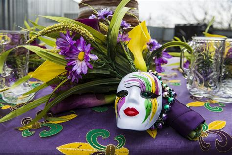 mardi gra mardi gras table decorations free stock photo