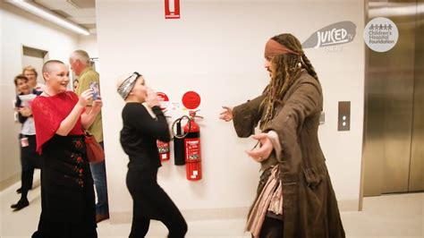 Johnny Depps Hospitalized by Johnny Depp Surprised Children In Hospital Dressed As
