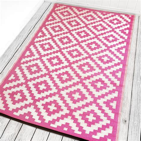 pink white rug pink and white indoor outdoor rug green decore