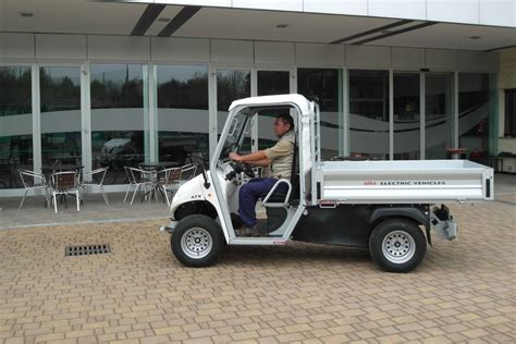 electric utility vehicles electric utility vehicles with cargo bed