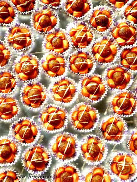 julia homemade salam lebaran  biskut tat nenas bunga