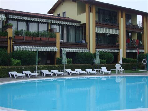 le terrazze sul lago residence hotel appartement residence le terrazze sul lago in padenghe sul