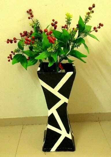 merubah kardus bekas menjadi vas bunga  cantik