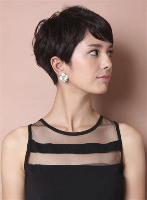haircut to a beautiful brunette pixie youtube 25 best ideas about brunette pixie cut on pinterest