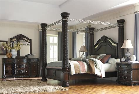 canopy king bedroom set laddenfield poster canopy bedroom collection phonics