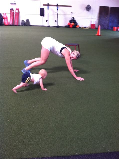 how to a to crawl how to crawl like a baby bicep