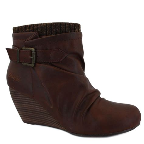 blowfish believe womens zip faux leather wedge ankle boots