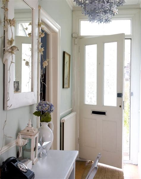 How To Decorate A Small Hallway Wall