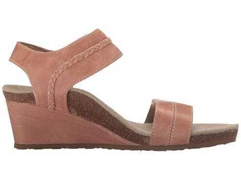 zappos wedge sandals aetrex arielle wedge sandal at zappos
