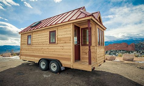 small houses on wheels tiny houses on wheels dealers tiny house on wheels for