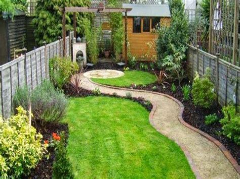 layout taman kecil desain taman kecil di lahan sempit untuk rumah minimalis