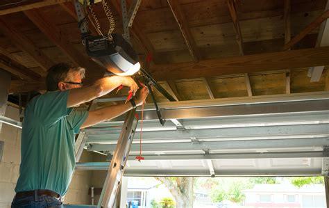 5 ways to fix a squeaky garage door hosbeg