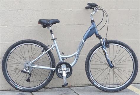 Aluminum Comfort Bike by 16 Quot Trek Navigator 300 Aluminum Comfort Commuter Bike 5 5