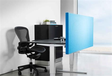 Office Desk Divider Office Desks And Partitions In Dubai Baniyasfurniture Ae