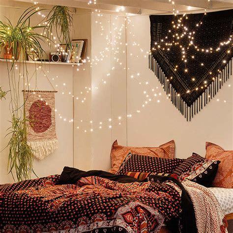 luces para decorar mi cuarto decorar el dormitorio con guirnaldas de luces mi casa