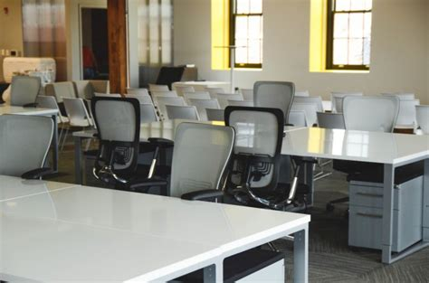 Free Office Furniture by White Office Furniture Photo Free