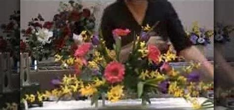 how to make flower arrangements how to make a monument saddle arrangement 171 flower