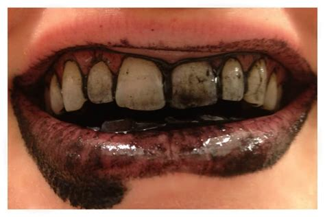 whitening  teeth naturally  activated charcoal