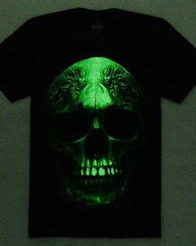 sablon kaos glow in the untuk efek bercahaya di