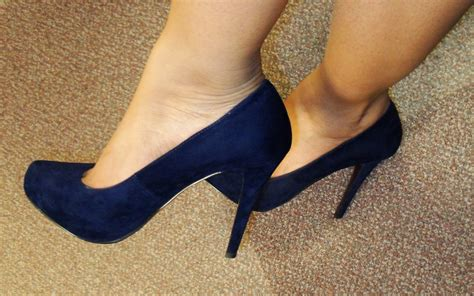 navy blue shoes the fancy navy blue suede shoes