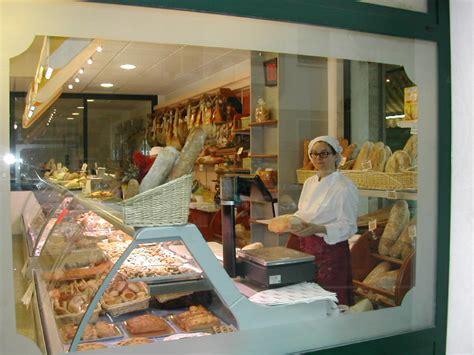 arredamenti per negozi di gastronomia arredamento per panetterie e gastronomie toscana belardi