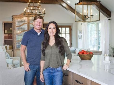 where does joanna gaines live photo page hgtv