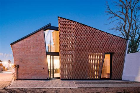 red brick house  mexico  bricks arranged