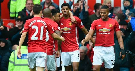 rashford united ace beaten by premier league manchester united fait chuter le leader