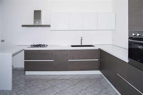 cucina in rovere grigio cucina in rovere grigio il legno arredamenti d interni