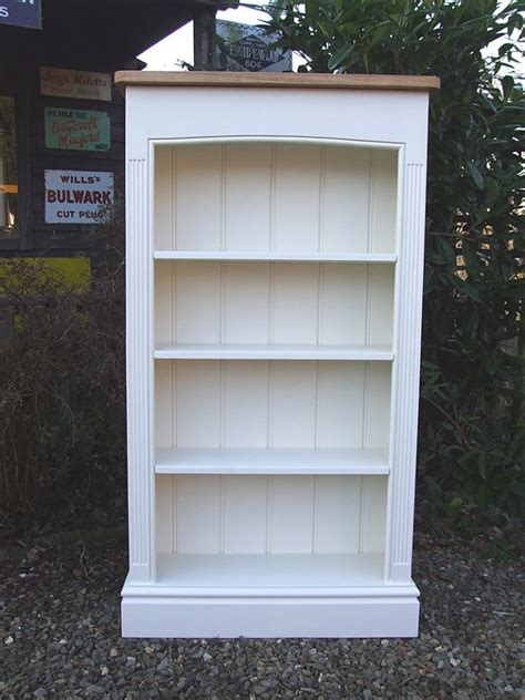 Painted Bookcase Ideas 10 Ideas About Painted Bookcases On Pinterest Painting