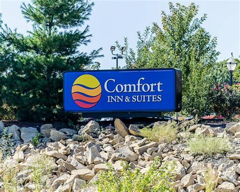 comfort inn lawrence ks comfort inn suites lawrence pet policy
