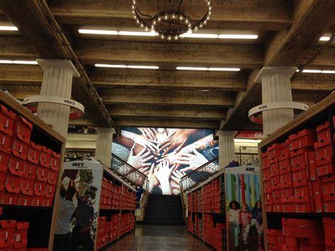wss shoe store wss new flagship store dtla momsla