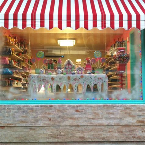 candy shop window christmas decoration wwwkrazykandycom
