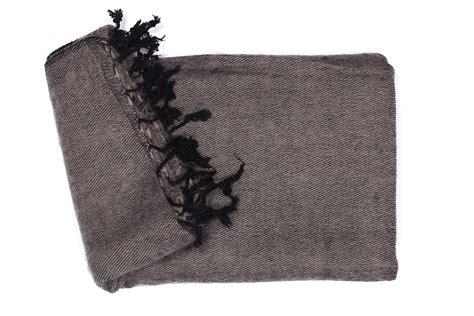 wohndecke grau baumwolle wohndecke grau braun 70 yakwolle und 30 baumwolle und