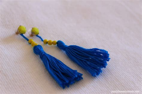 How To Make Easy Paper Earrings At Home - diy tassel earrings