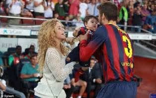 Shakira To Wed In September by Shakira Front Cover Of Three Magazines At Same Time