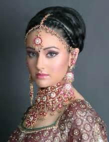 traditional indian stylish hairstyles for indian bridals
