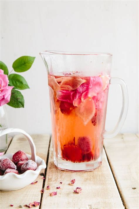 Flor De Lima Detox Water by Best 25 Strawberry Infused Water Ideas On