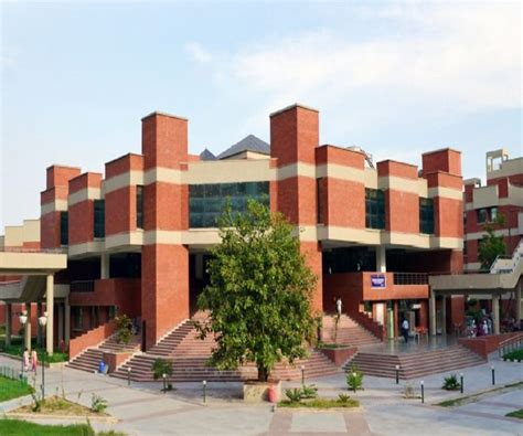 College Of Estate Management Mba by Mba Real Estate Syllabus Course Structure And Program