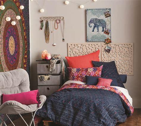 dorm room living comfy dorm d 233 cor carolina country