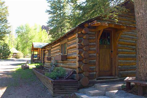 cabin 5 yellowstone cabin rentals absaroka mtn lodge