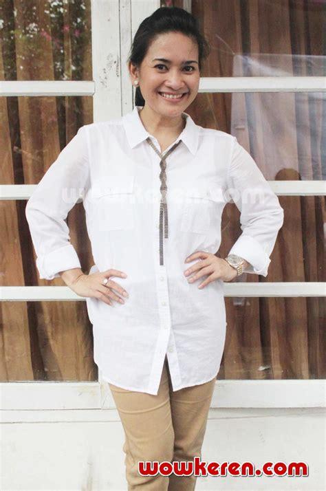 album best of the best ikke nurjanah merpati putih foto ikke nurjanah saat ditemui di kung artis cipayung