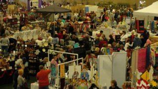 holiday craft shows in illinois a happening 2018 a craft show in glen ellyn illinois